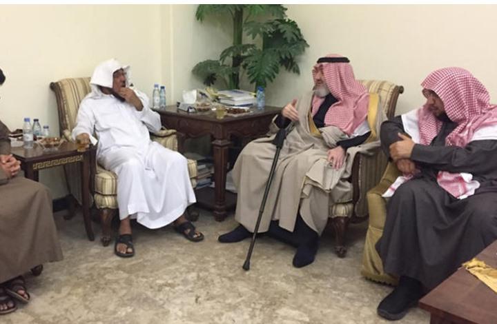 Photo of اعتقال الأمير خالد بن طلال بعد أيام من وفاة والده