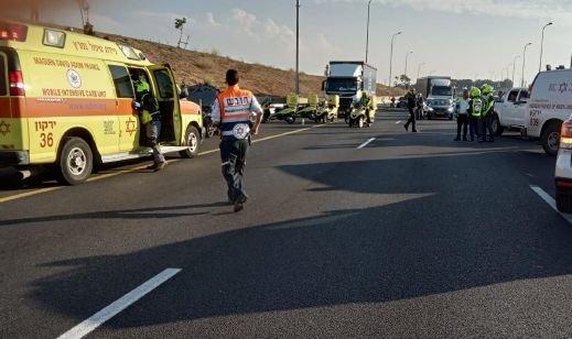 Photo of مصرع شخص وإصابة اثنان بجروح في حادث طرق بالجنوب