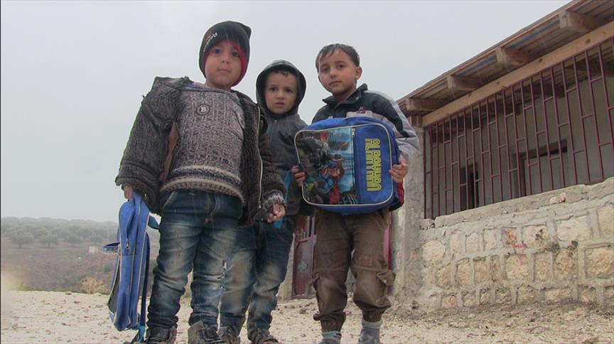 طلاب إدلب السورية يصارعون البرد ونقص الإمكانيات