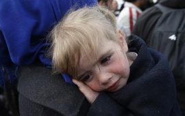 لماذا لا يجب إخفاء حزننا عن الأطفال؟