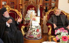 هنية يقدم التهاني للكنيسة الأرثوذكسية بغزة
