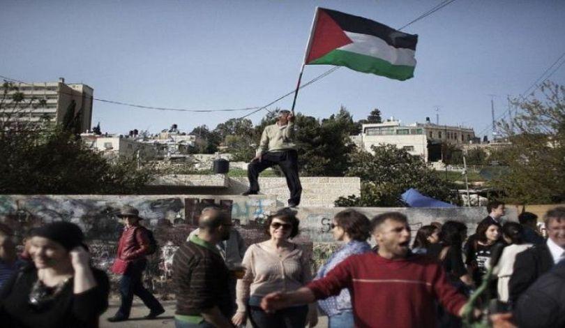 """القدس: الاحتلال يُخطر عائلات فلسطينية في """"الشيخ جراح"""" بإخلاء منازلها"""