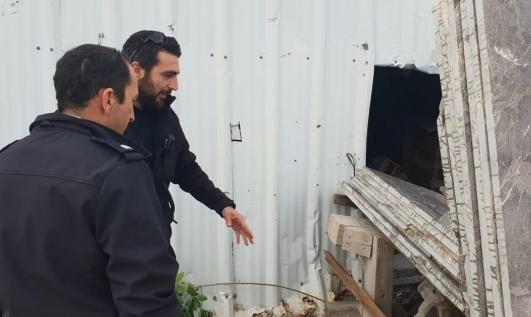 Photo of إصابة خطيرة لعامل في مصنع بكفر مندا