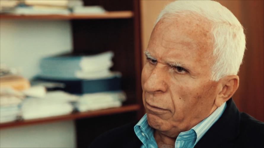 """الأحمد يطالب بقطع الهواء عن غزة وإعلانه """"إقليمًا متمردًا"""""""