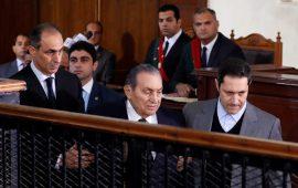"""الذكرى الثامنة للثورة.. مبارك """"شاهد"""" وشباب الثورة بالسجون"""
