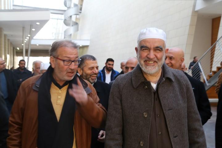 سهرة مع الشيخ رائد في سجنه المنزلي