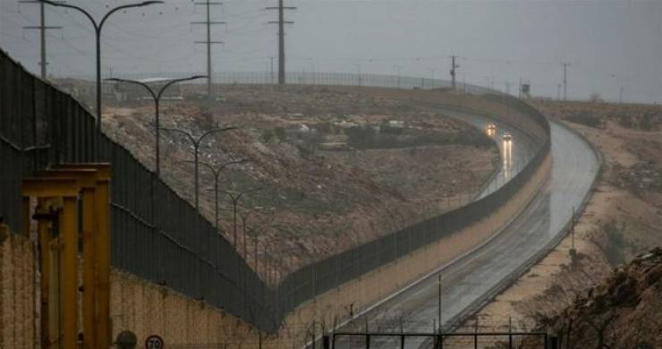 """الاحتلال يفتح أول """"شارع عنصري"""" في القدس"""