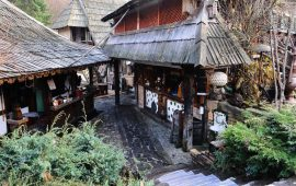 قرية تراثية بوسنية تنقل زوارها في رحلة عبر الزمن