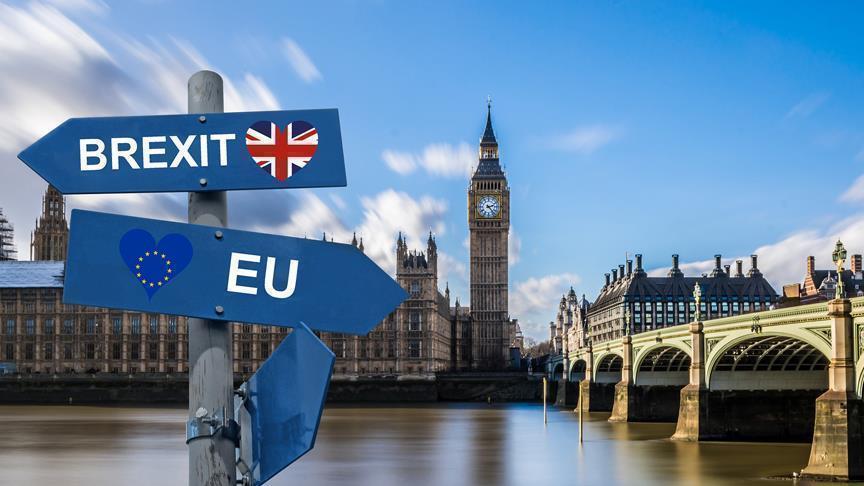 Photo of سيناريوهات خروج بريطانيا من الاتحاد الأوروبي .. أحلاها مر