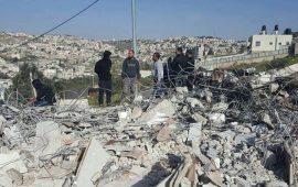 الاحتلال يهدم 3 منازل ومخزنًا بالقدس المحتلة
