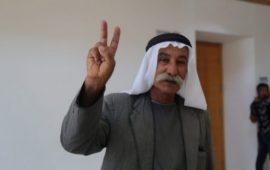 المحامي خالد زبارقة يزور الشيخ صياح الطوري في السجن: وجدته صامداً ثابتاً على مبادئه وحقوقه لم تزحزحه الأغلال