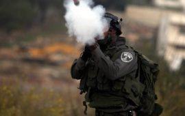 قنابل الغاز سلاح جديد لقتل الأطفال