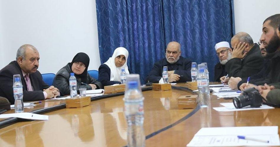 """Photo of """"التشريعي"""" يدعو لسياسة وطنية جامعة ضد قطع الرواتب في غزة"""