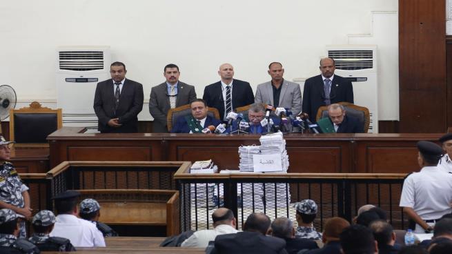 "Photo of حكم نهائي بالسجن المؤبد والمشدد في قضية ""خلية الصواريخ"" بمصر"