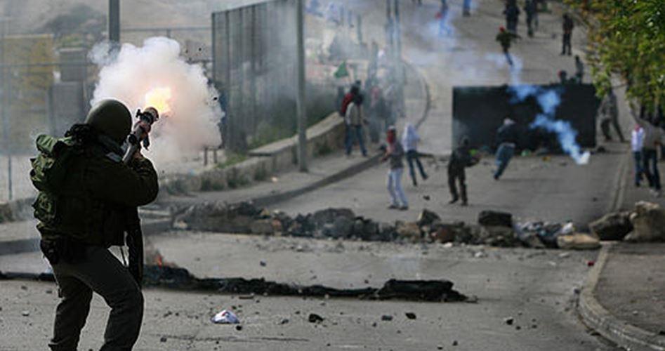 إصابة 17 فلسطينيًا في مواجهات مع الاحتلال شرقي القدس