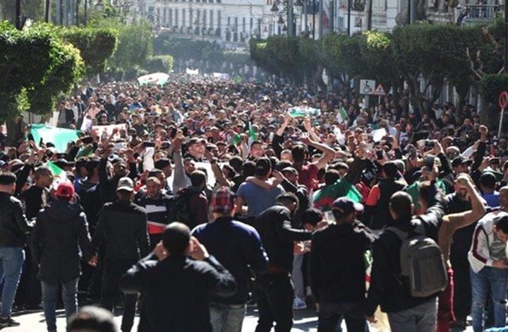 Photo of هل يحفز سحب بوتفليقة ترشحه المصريين للثورة؟