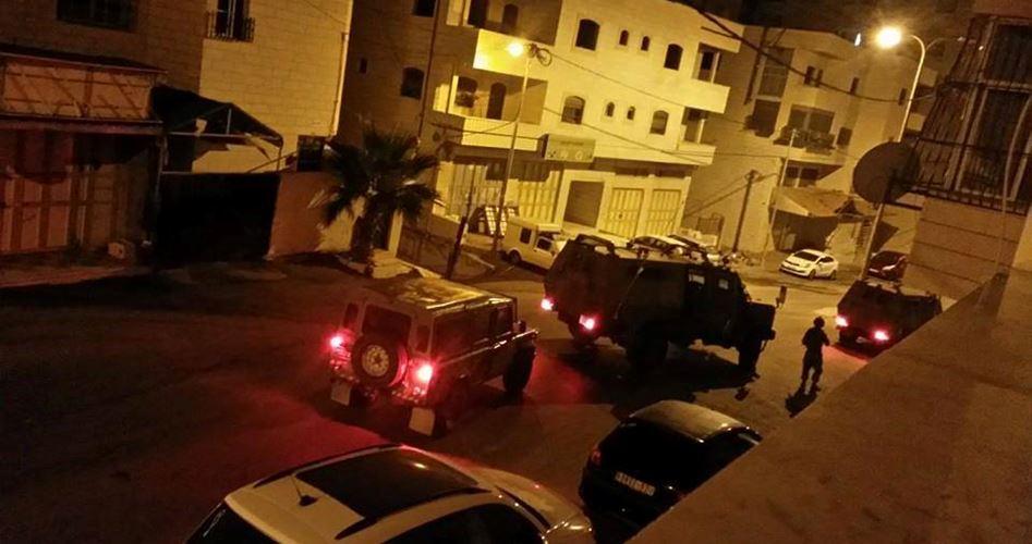 Photo of الاحتلال يعتقل 11 فلسطينيًا من الضفة الغربية