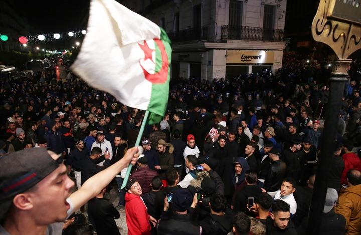 ديفيد هيرست: هل نشهد موجة جديدة من الربيع العربي؟