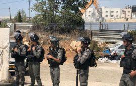 الاحتلال يهدم مبنى قيد الإنشاء تابع لمدرسة في مخيم شعفاط