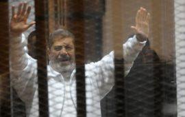قضاء مصر يستكمل محاكمة مرسي والقرضاوي وقيادات الإخوان