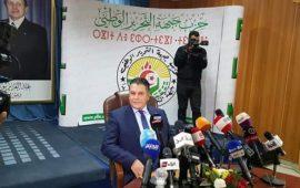 رئيس البرلمان الجزائري يعلن انشقاقه عن بوتفليقة ودعم الحراك الشعبي