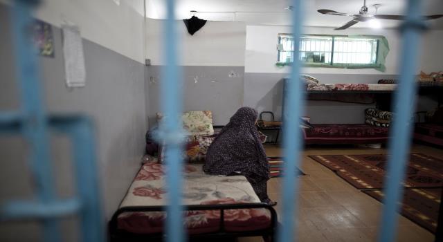 79 ابنًا وابنة يحرمهم الاحتلال من أمّهاتهم الأسيرات