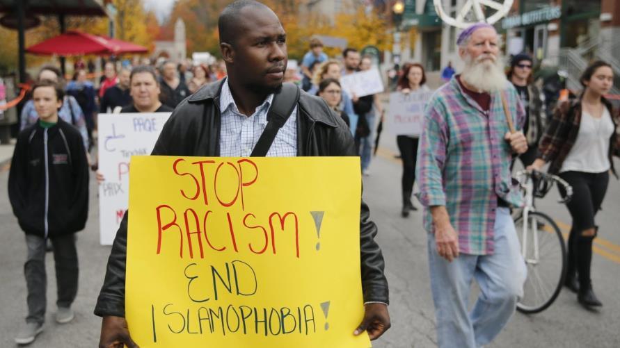 الكراهية للإسلام.. أبرز الهجمات على المساجد في الغرب