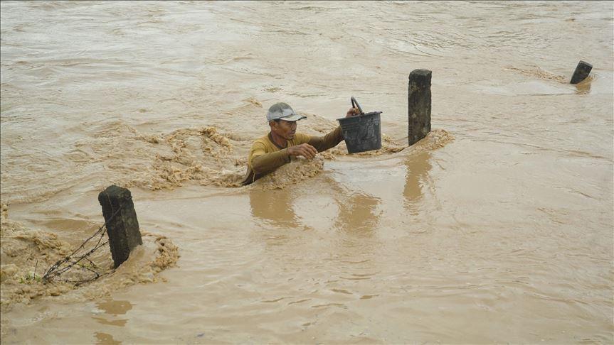 Photo of مصرع 60 على الأقل جراء زلزال وفيضانات إندونيسيا