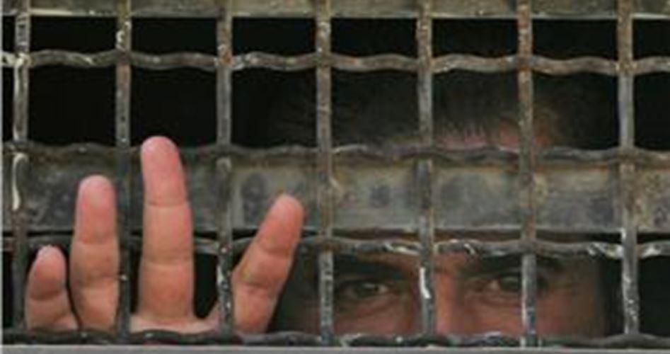 Photo of 4 أسرى يدخلون أعواما جديدة في السجون الاسرائيلية