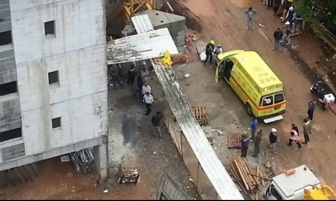 مصرع عامل في حادث عمل في مركز البلاد