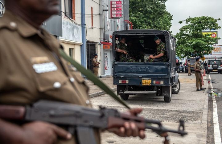Photo of مقتل 15 في سريلانكا خلال مداهمة لمشتبه بهم بالتفجيرات