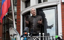 شرطة بريطانيا تعتقل مؤسس ويكيليكس في سفارة الإكوادور