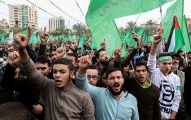 """استطلاع يظهر شعبية """"حماس"""" في 5 دول عربية بينها السعودية"""