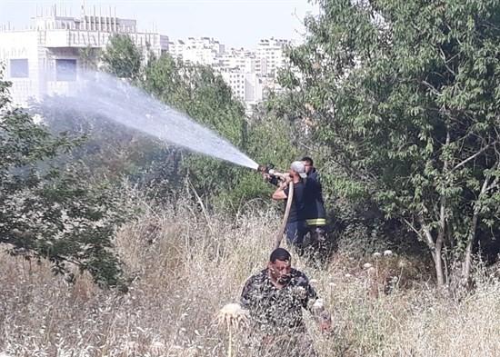 Photo of الدفاع المدني الفلسطيني يتعامل مع اكثر من 300 حريق