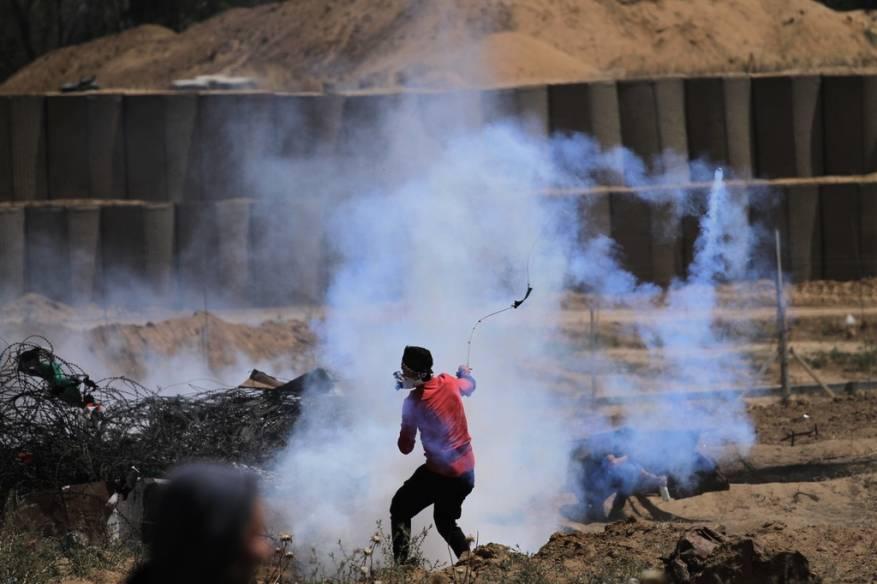 """Photo of إصابات بقمع """"جمعة التراحم و التكافل"""" والإعلان عن جمعة """"يوم القدس العالمي"""""""
