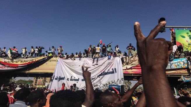 Photo of المعارضة السودانية: يمكن استئناف التفاوض مع المجلس العسكري بأي لحظة.. وهذا شرطنا