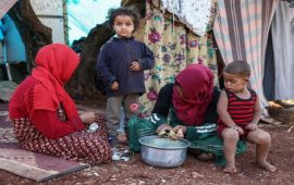 روسيا وطيران الأسد يحرقان إدلب لتهجير المدنيين إلى مناطق النظام