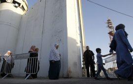"""""""يديعوت"""" ترسم صورة كئيبة للواقع الاقتصادي بالضفة الغربية"""