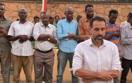 السفير البريطاني بالسودان يؤم المصلين بالخرطوم