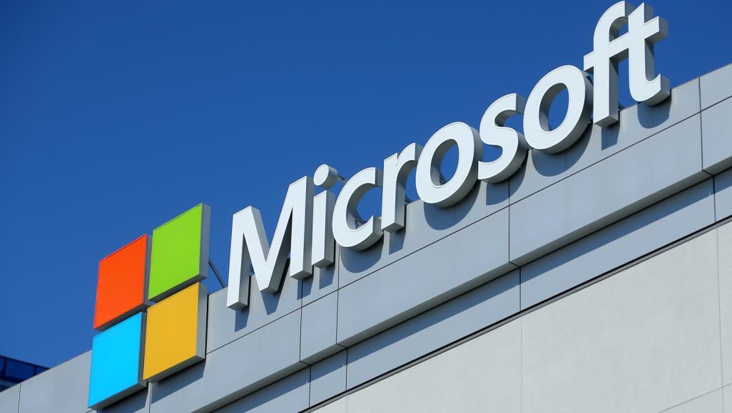 """مايكروسوفت تلمح لـ""""نظام تشغيل عصري"""" مع """"تحديثات سلسة"""""""