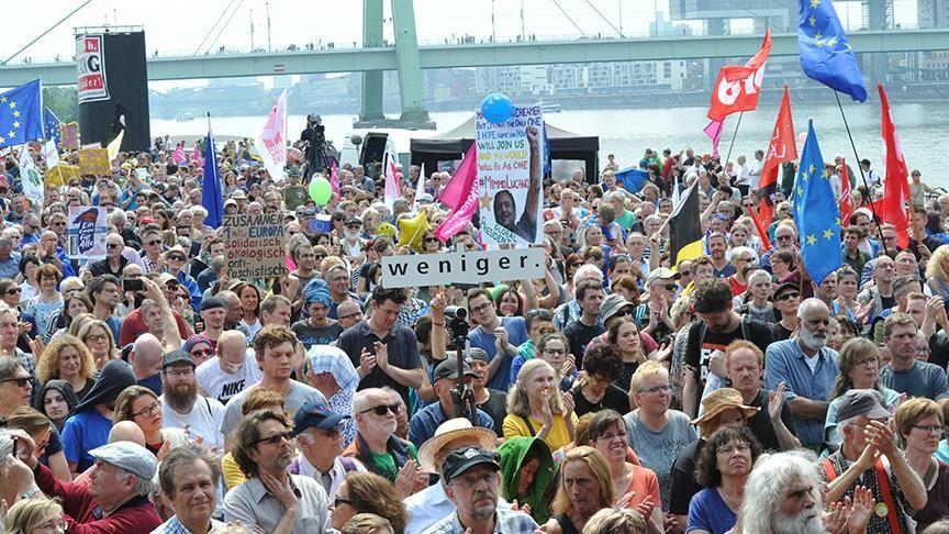Photo of ألمانيا.. الآلاف يتظاهرون ضد تنامي العنصرية في أوروبا