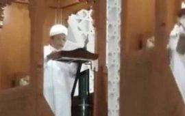 فيديو: وفاة إمام ماليزي فوق المنبر أثناء خطبة الجمعة