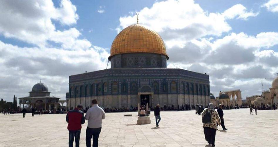 أوقاف القدس تلغي مهام الأئمة الراتبين في مصليات الأقصى وناشطون يرفضون
