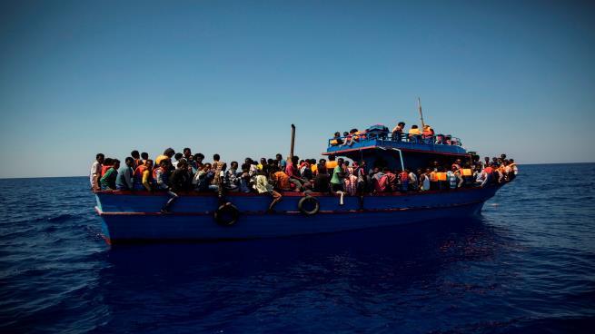 Photo of وثيقة تكشف نقل أوروبا 40 ألف مهاجر إلى معسكرات التعذيب في ليبيا