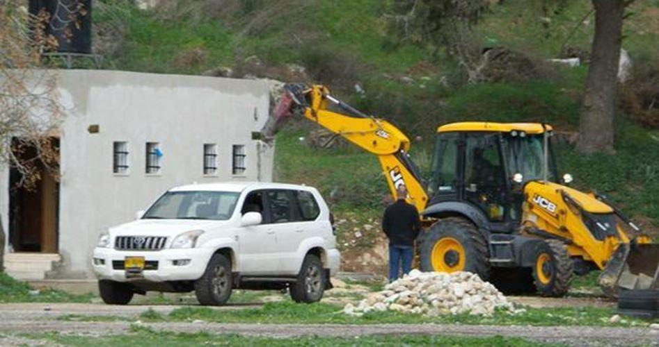 عمليات هدم واسعة في محيط حاجز قلنديا