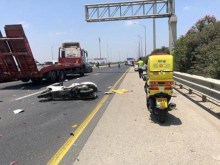 Photo of حادث طرق قرب الرملة يسفر عن مصرع سائق دراجة نارية