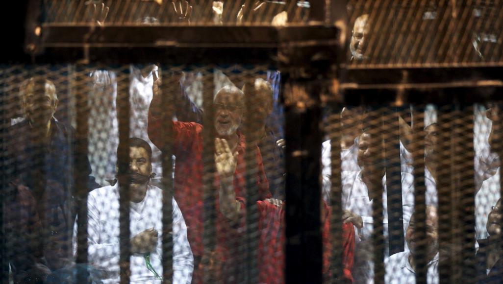 جماعة الإخوان: 60 ألف سجين معرضون لكارثة عقب وفاة مرسي