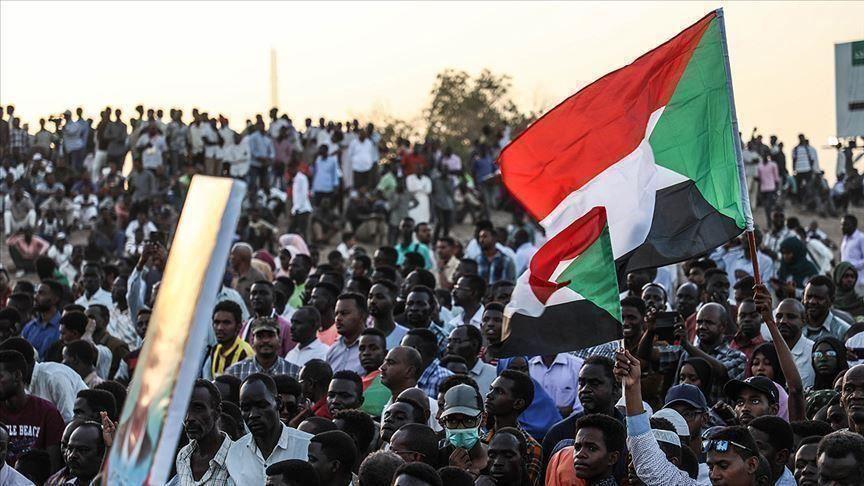"""""""الموجة الثالثة"""" في السودان.. هل تغرق المجلس العسكري وآخرين؟"""