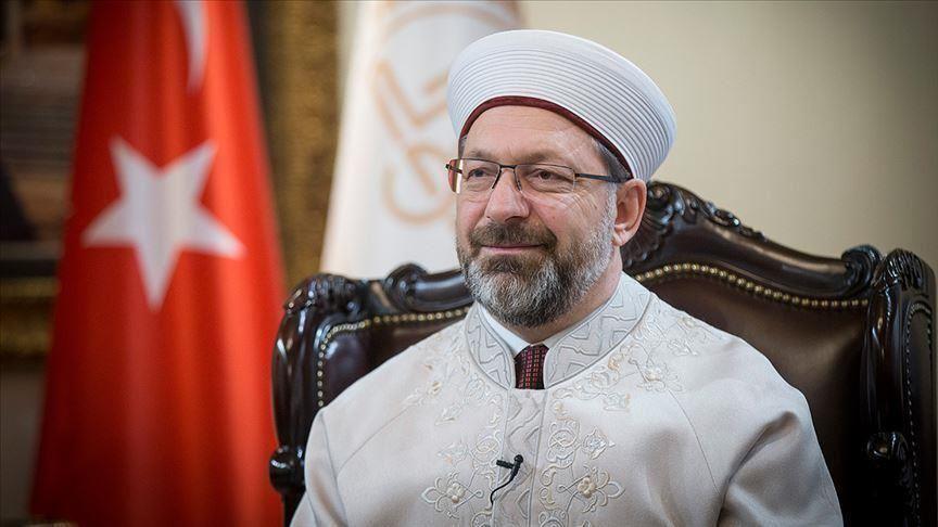 رئيس الشؤون الدينية التركي: ألف طالب أجنبي سيدرسون الشريعة في بلادنا