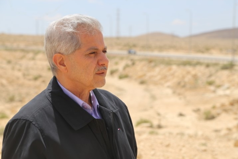 "Photo of د. أبو جابر معقبا على ""اعتذار"" براك: إلعب غيرها براك.."